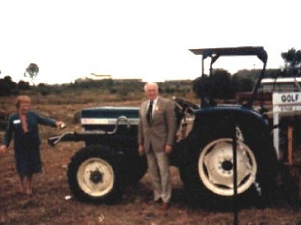 Mayor Harry Sawkins and Mrs. W. Knott